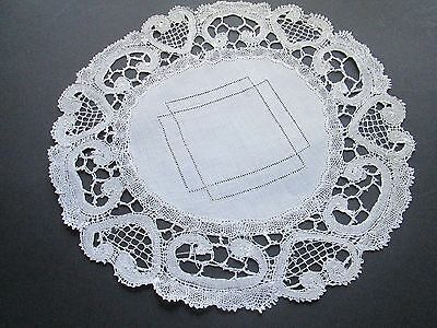 Antique  handmade  lace doilie from  white cotton Brugge lace-linen senter