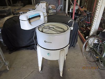 Vintage Maytag N2LS Wringer Washing gyratator Machine works
