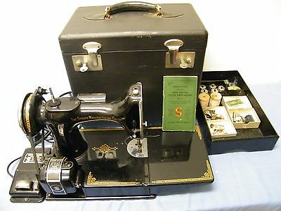 Vintage 1940's Singer sewing machine 221-1 Feather Weight Case & Accessories