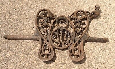 Antique WILCOX & GIBBS Treadle Sewing Machine Butterfly Monogram Cast Iron Pedal