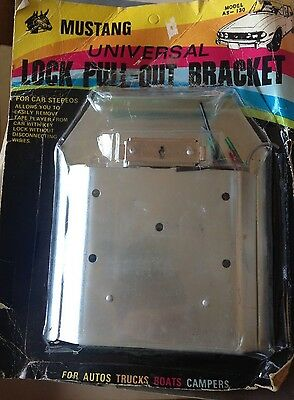 Mustang Auto Universal Lock Pull-Out Bracket For Stereo Still In Package