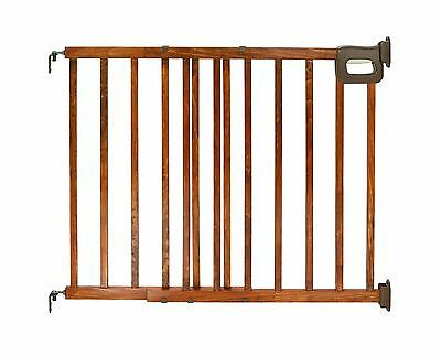 Summer Infant Stylish and Secure Deluxe Wood Stairway Gate NA 1-Pack