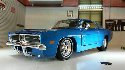 1:24 1:25 Scale Dodge Charger Blue R/T 1969 Maisto Model Car 31256 LGB Metal