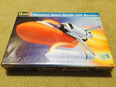 discovery space shuttle model