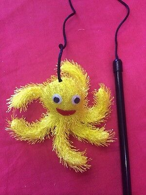 Cat Toy FUNKY YELLOW OCTOPUS Cat Dangler Wand Teaser Catnip Toy Is 7 Inches
