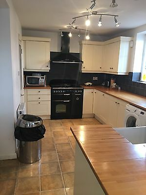 Used Kitchen Cupboard/cabinets/units with Worktops And Appliances