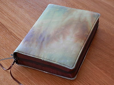 New World Translation 2013 Zipped Fabric Bible Cover - Marbled Effect