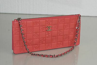 NEW CHANEL Timeless Classic  Bag CLUTCH Wallet Purse Zip Coral Leather CC Logo