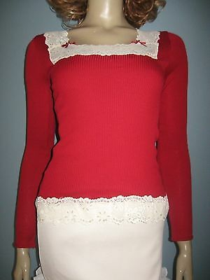 ALANNAH HILL!!** NEW!! Stunning Lace Trim Ribbed Top!! 8