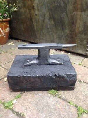 Vintage Antique Blacksmiths Workbench Iron Anvil Doorstop