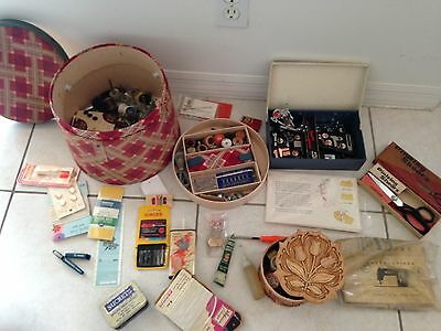 Old Sewing box Vintage Sewing Notions Lots of Accessories Pinking Shears Kenmore