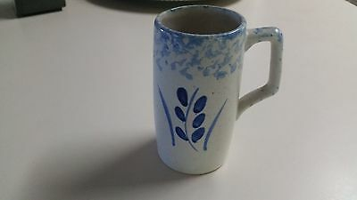 R.R.P. Co. Roseville, Ohio Sponge Ware Pottery 16 Ounce Mug Cup