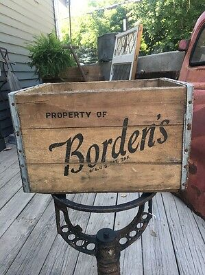 VINTAGE BORDENS DAIRY MILK BOTTLE WOOD WOODEN CRATE METAL  OLD RARE bROOKLYN NY