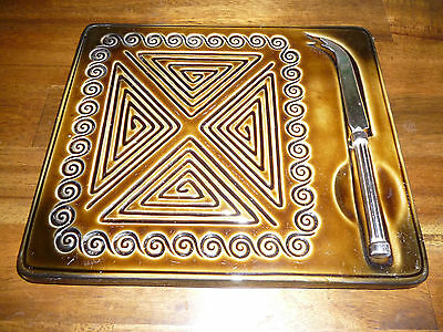 SYLVAC TOTEM LARGE CHEESE SERVING PLATE with KNIFE 1970s Retro - good condition