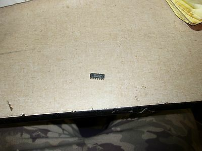 Integrated Circuit Chip SN74LS174N J7940BEM *FREE SHIPPING*