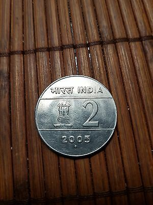 India 2 rupees  coin 2005