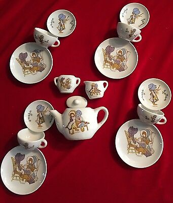 1988 Holly Hobbie 16 Piece China Dinner Set NICE! Holly Hobbie With friend & Cat