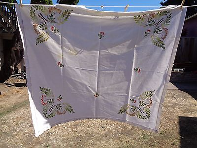 Vintage Floral Embroidered Tablecloth Nice Needlework 48X54