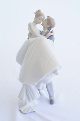 THE HAPPIEST DAY WEDDING FIGURINE BY LLADRO #8029 Mint In Original Box