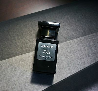 Tom Ford Oud Wood for women and men Perfume decant sample (4 sizes in spray)