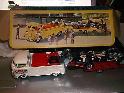 Vintage Corgi Toys Gift Set 6 Volkswagen Breakdown Truck Trailer & Racing Car