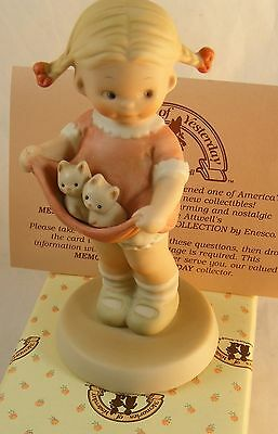 """ENESCO MEMORIES OF YESTERDAY """"A LAPFUL OF LUCK """"  MIB - Mabel Attwell"""
