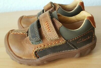Baby Clarks First shoes Brown leather touch close strap size 4G