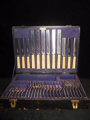 OLD ENGLISH Design WALKER & HALL 36 Piece Canteen of Cutlery