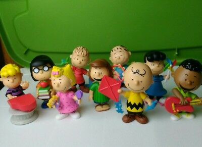 "charlie Brown Peanuts PVC 3.5"" figure lot of (9): Lucy Linus + more!"