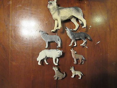 Wolf Figurine a lot of 7 (With Box)