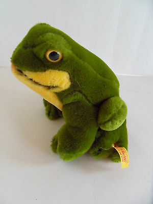 Steiff  frog  button flag made in Germany 2220
