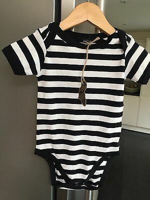 BNWT Babies black and white strip vest 6-12 months - ethically made