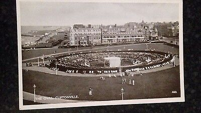 vintage postcard . The Oval . Cliftonville .44A
