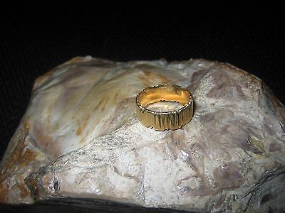 Stunning Solid 18ct Yellow Gold Ring Size U