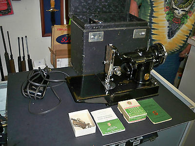 Vintage Singer Featherweight Portable Electric Sewing Machine 221-1 Works!