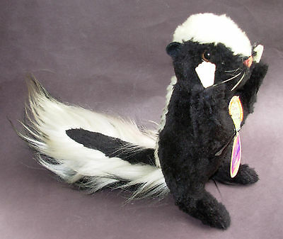 Steiff 'cosy Skunk' 4920/22 - With Original Tags And Ear Button