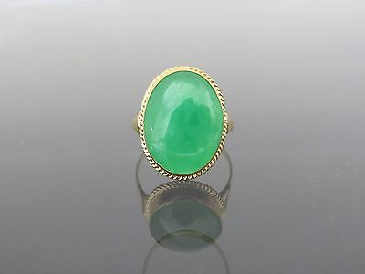 Vintage 18K Solid Yellow Gold Natural Apple Green Jadeite Jade Ring Size 6.75