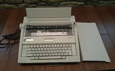 Brother AX-500 Electronic Typewriter And Word Processor Tested and Working
