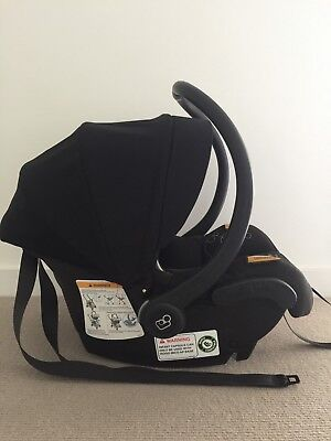 Maxi Cosi baby capsule Car Seat - As New