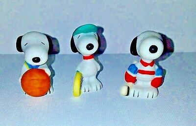 "Set of 3 PEANUTS SNOOPY VTG CERAMIC MINI Sports 1.5"" basketball hockey tennis"