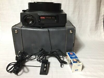 Kodak Carousel 650 Slide Projector with tray, remote, Case, Stack Loader,  bulb