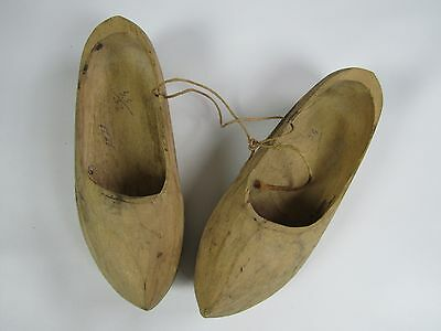 """Pair of Vintage Dutch Holland Wooden Shoes Clogs - Hand Carved 8-1/2"""" x 2-3/4"""""""