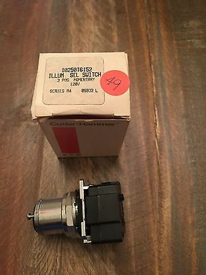 New In Box Cutler Hammer Selector Switch 10250T6152