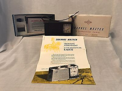 Vintage Channel Master Transistor Radio Model 6506