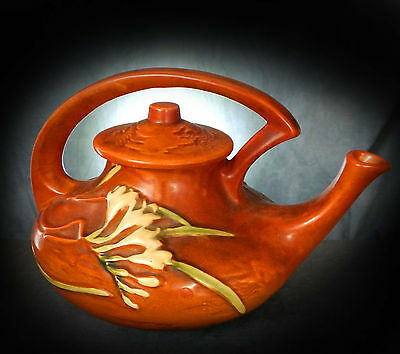 Lovely Large Roseville Art Deco Teapot - Fressia Pattern