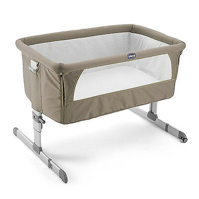 Chicco Next 2 Me Bedside Side Sleeping Crib Lightweight Travel Height Adjustable