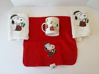 NEW Vintage SNOOPY WOODSTOCK CHRISTMAS HAND TOWELS COFFEE MUG