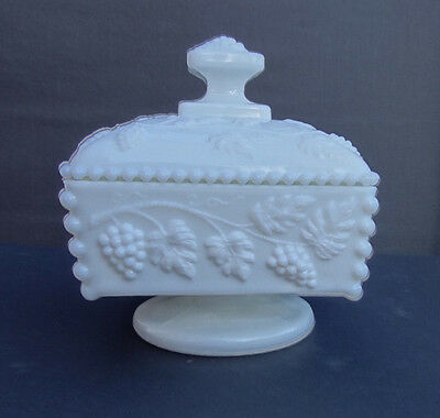 Vintage WESTMORELAND MILK GLASS BEADED GRAPE HONEY AND COVER Nice!!