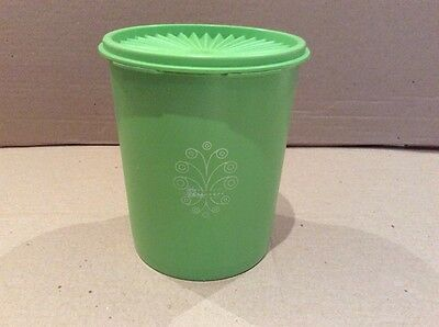 Tupperware VINTAGE SERVALIER (MEDIUM) LIME GREEN CANISTER with LID