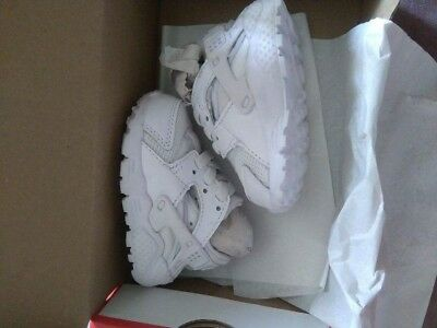 Baby Nike Huaraches Trainers Size 1.5 White New